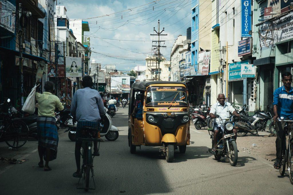 Straßenszene in Sivakasi