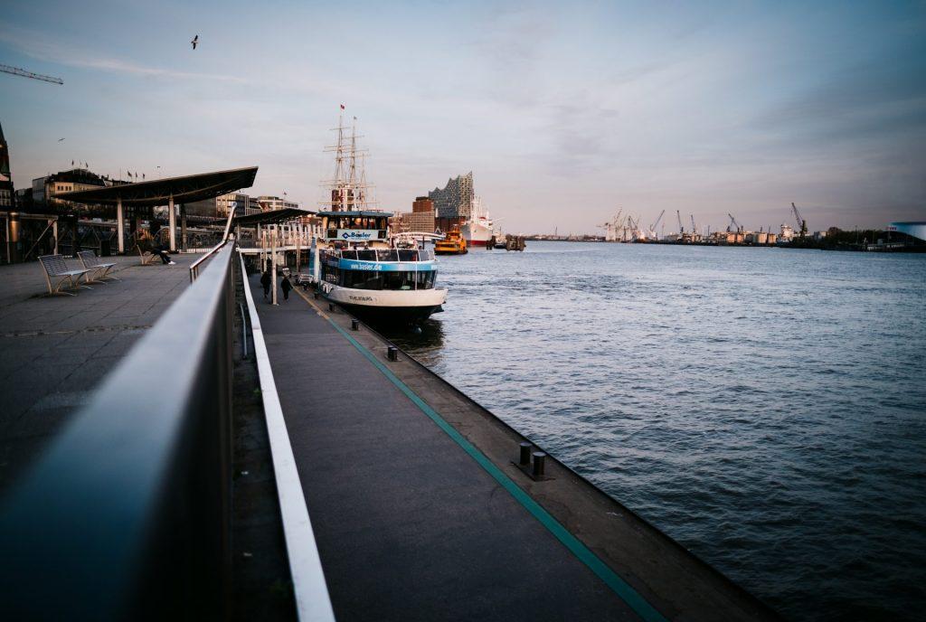 Landungsbrücken während der Covid 19 Pandemie / Corona Hamburg