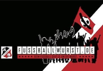 Das Logo von Fussballwurst.de im Schwarz-Weiss-Roten AFC/Altona 93 Look. Gut erkennbar: die Stadionwurst auf der Fahne.