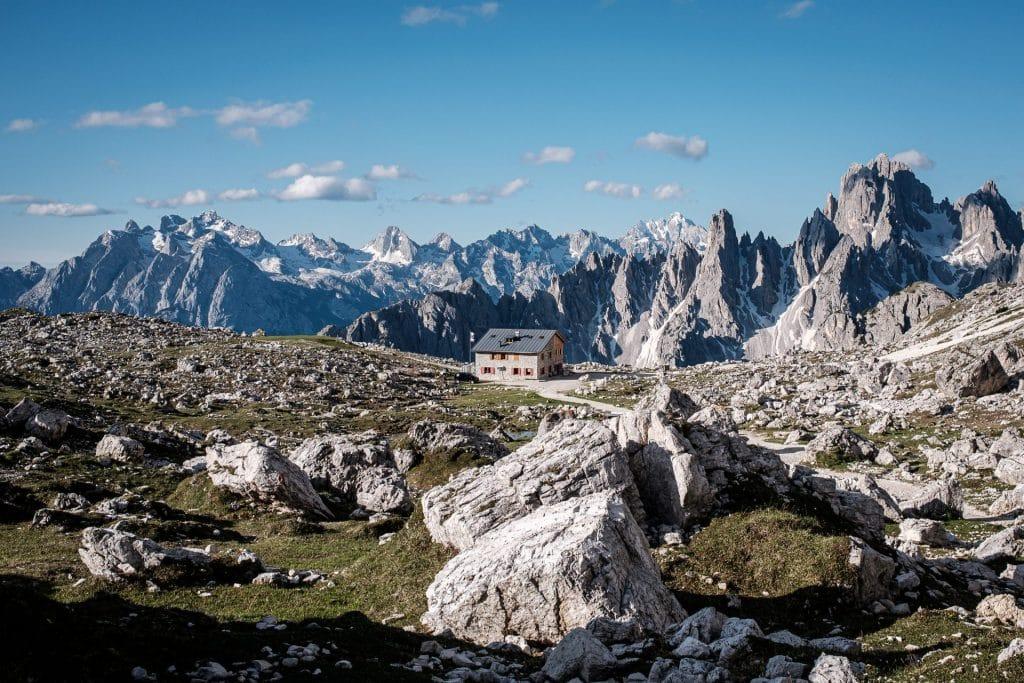 Die Lavaredohütte in den Sextener Dolomiten