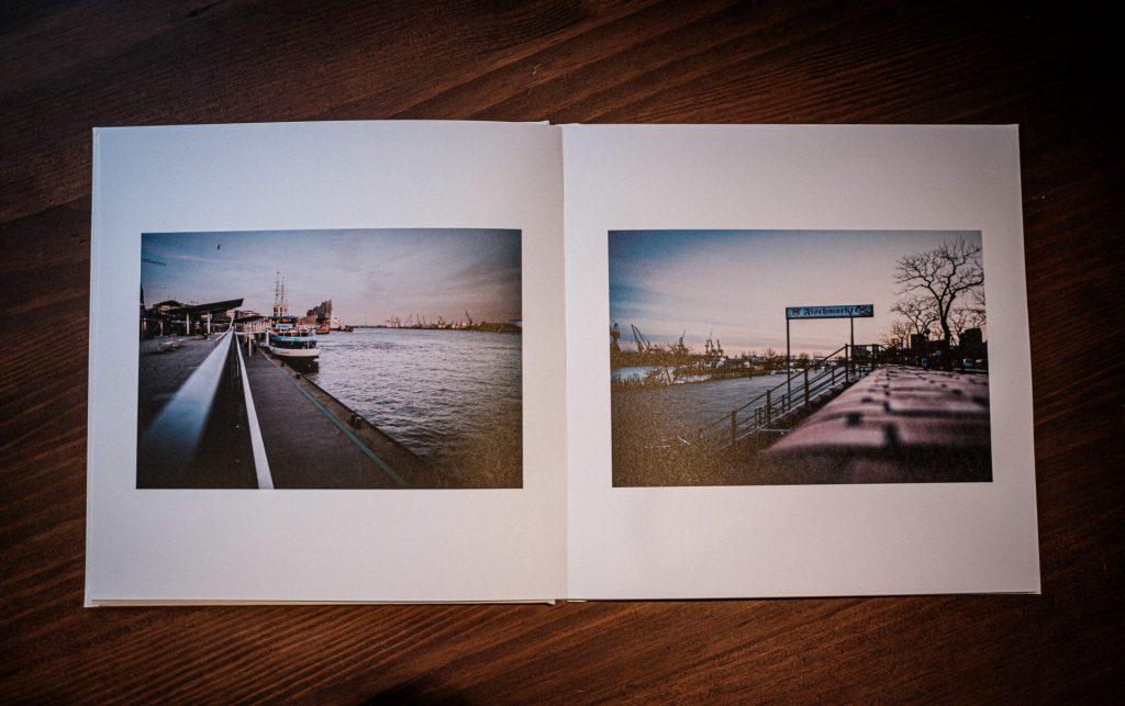 30 x 30 Zentimeter: Je Seite ein Bild. Einfach gestaltet mit der Software von Saal Digital.