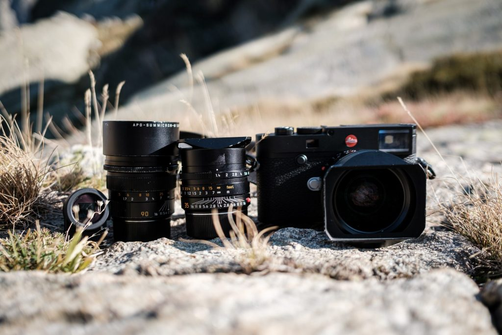 Leica M10-R mit Summilux 21, 35 und 90. Plus Visoflex.