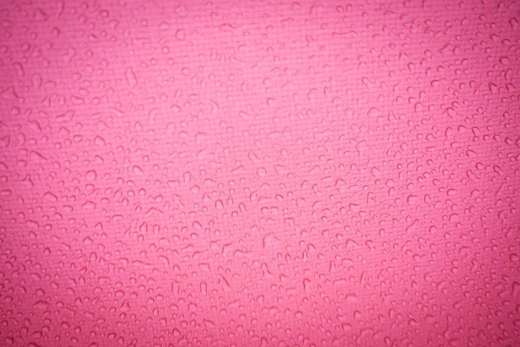 Das ist unser Tarp. Nicht nur schön Rot, sondern auch schön wasserabweisend.