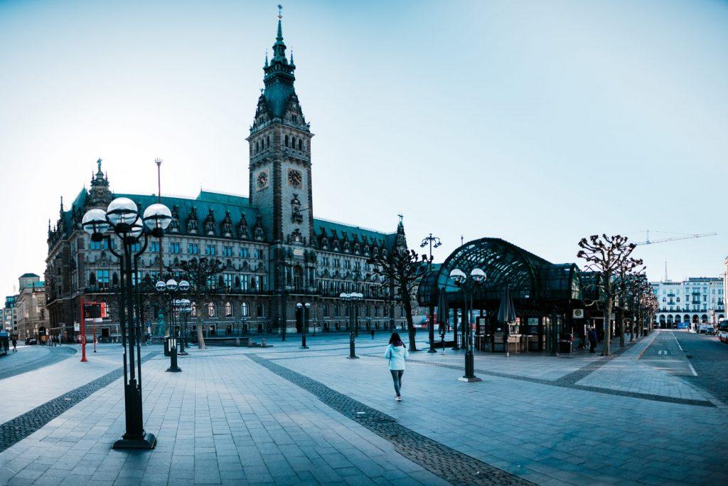 Rathausmarkt, Freitag Abend, 16:24 Uhr, im März 2020