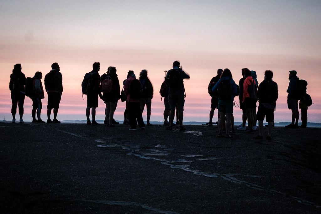 So sieht das aus, kurz vor Sonnenaufgang. Bei der Wattwanderung.